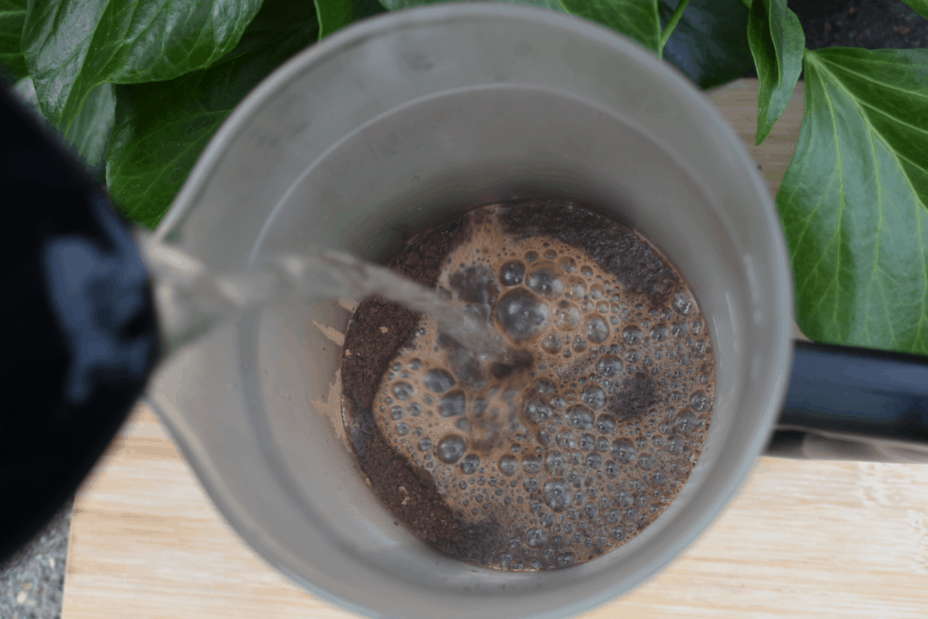 French press blooming stage