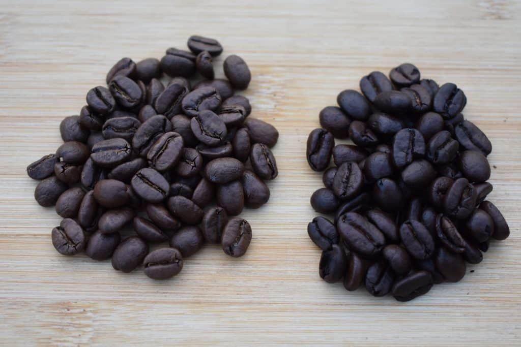 Caffè Misto, difference in coffee beans displayed