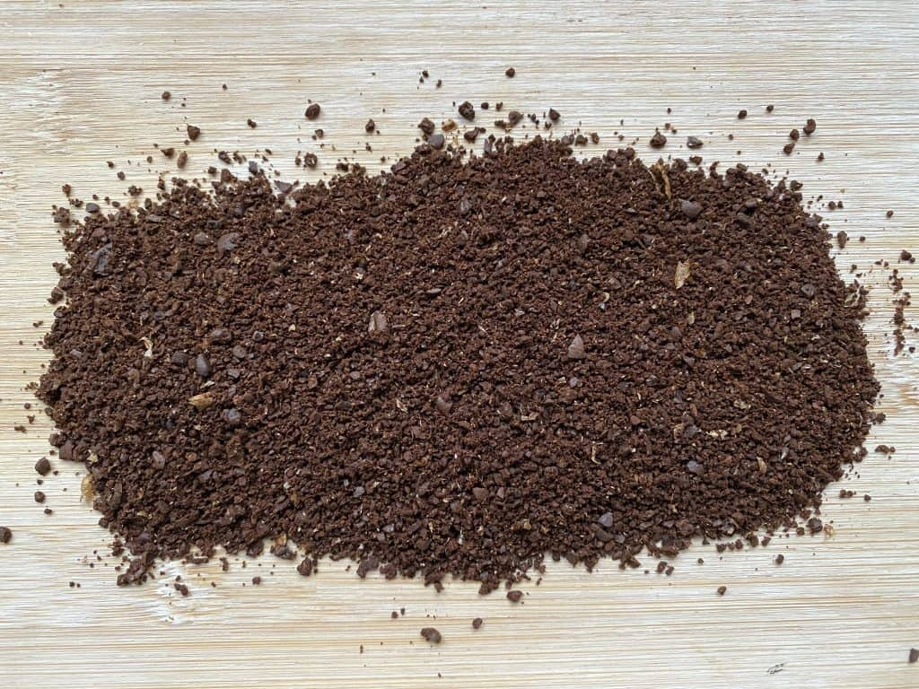 Coffee ground by using a blade coffee grinder