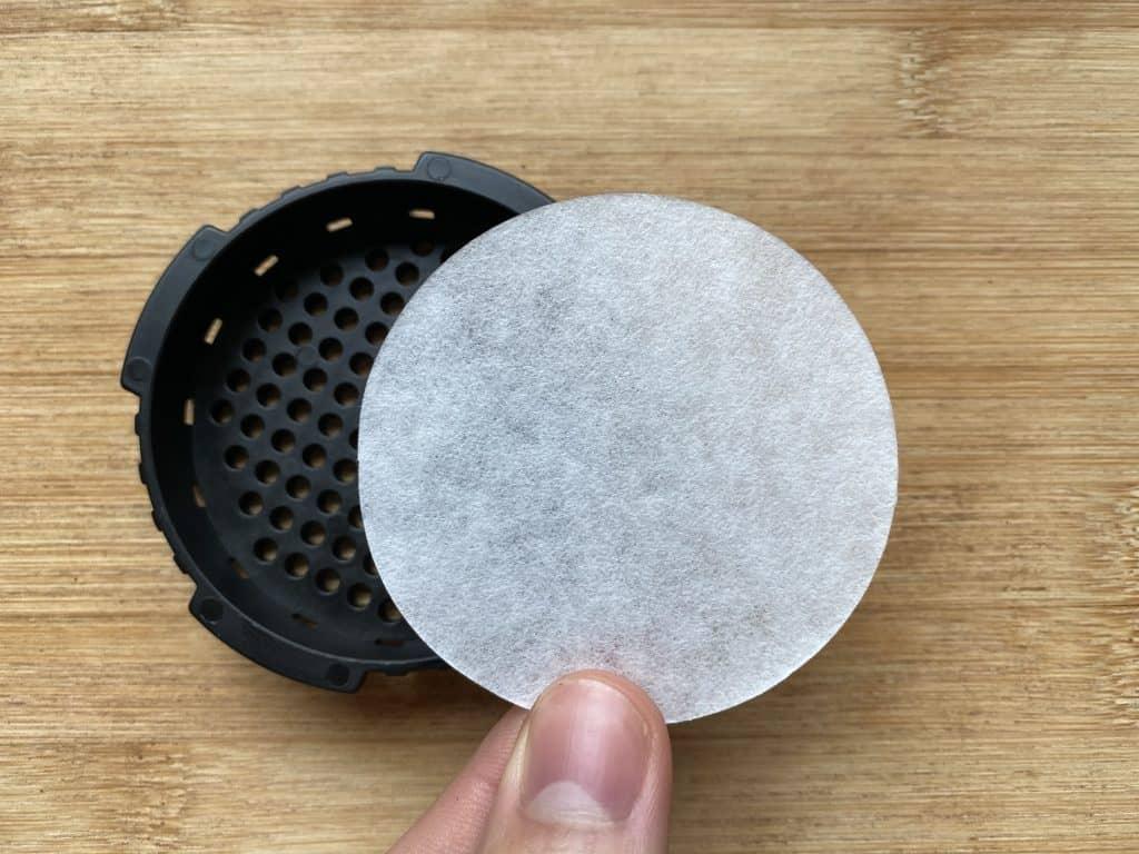 """AeroPress round coffee filter"""