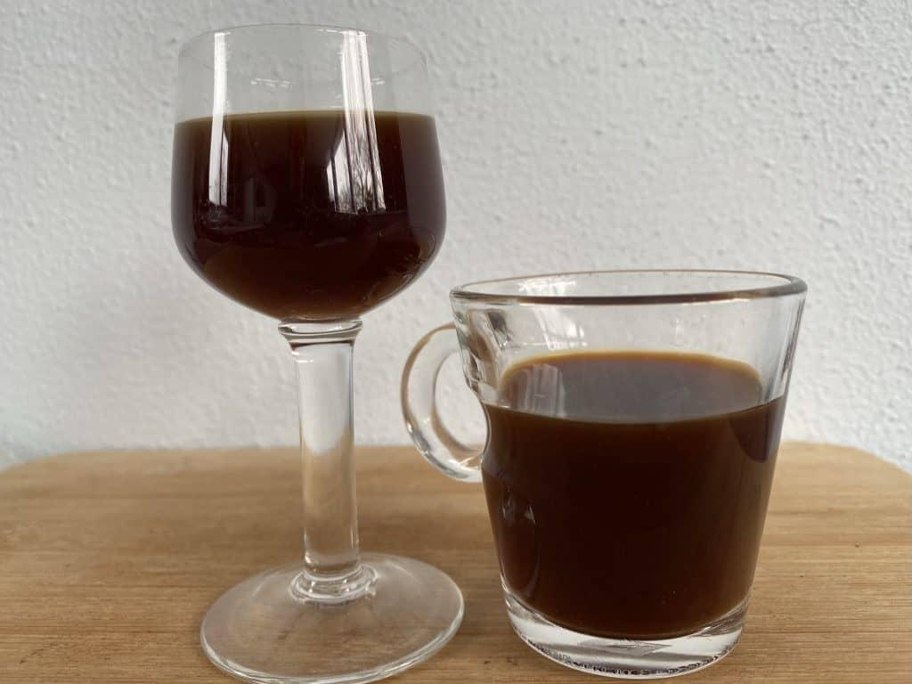 """Ristretto and espresso next to each other for comparison."""
