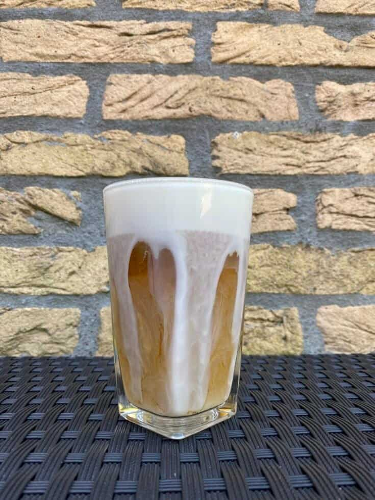 Cold brew latte, ready to drink.